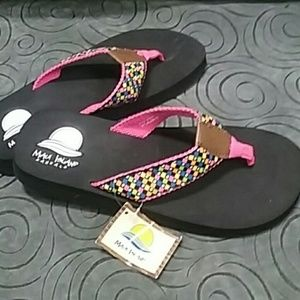 Maui Island Flip Flop, size 6, but not marked